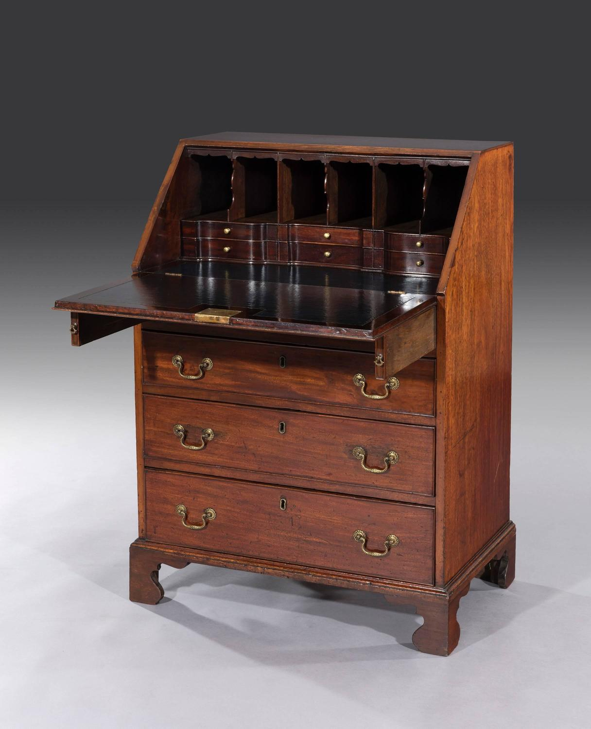 small george iii mahogany bureau at 1stdibs. Black Bedroom Furniture Sets. Home Design Ideas