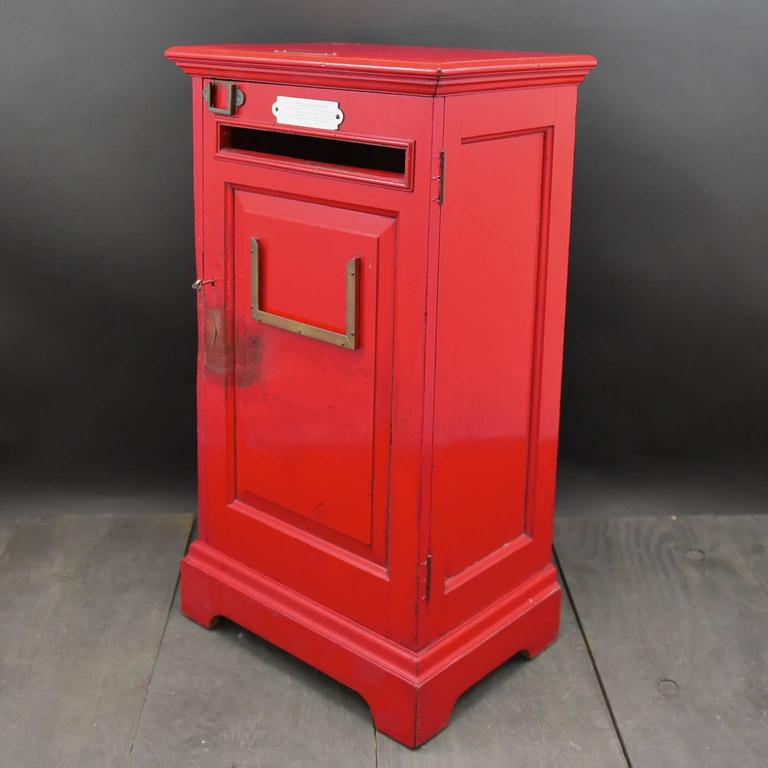 English 'Country House' Private Post Box c1925 In Fair Condition In London, GB