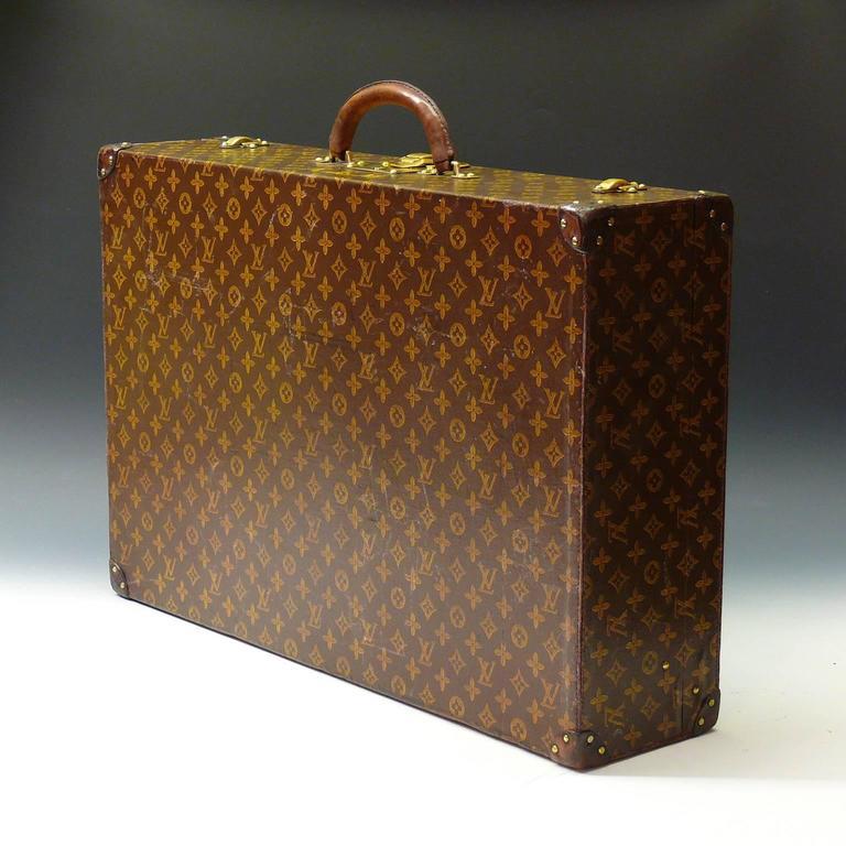 f785d15157cc 20th Century Louis Vuitton Monogram Suitcase c1945 For Sale