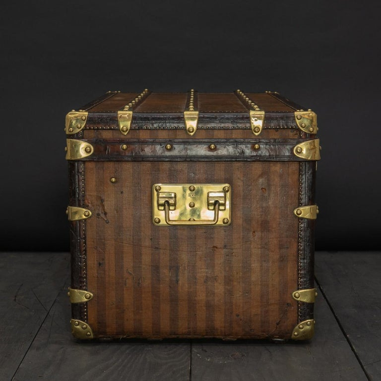 Rare Striped Louis Vuitton Trunk, circa 1885 In Good Condition For Sale In London, GB