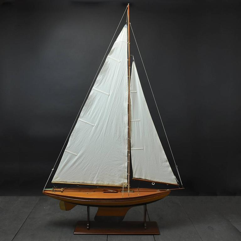 Mid-20th Century Pond Yacht model 'Grace' c1935 For Sale