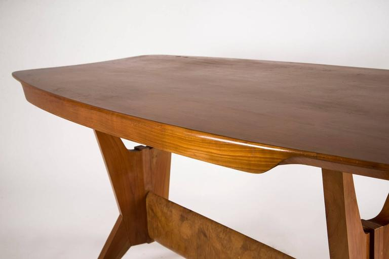 Mid-Century Modern Exquisite Dining Table, Italy, 1940s For Sale
