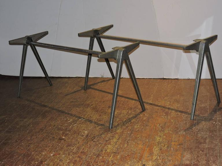 Merveilleux Mid Century Modern Jean Prouve Style Aluminum Compass Table Bases For Sale