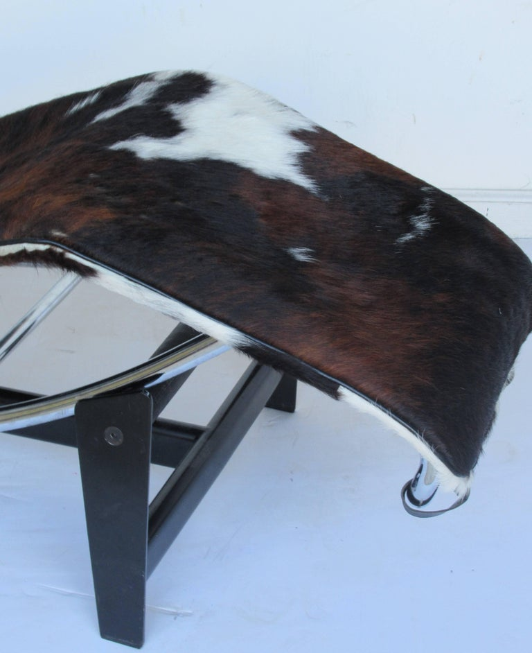 Le corbusier lc4 chaise longue at 1stdibs for Chaise longue le corbusier vache