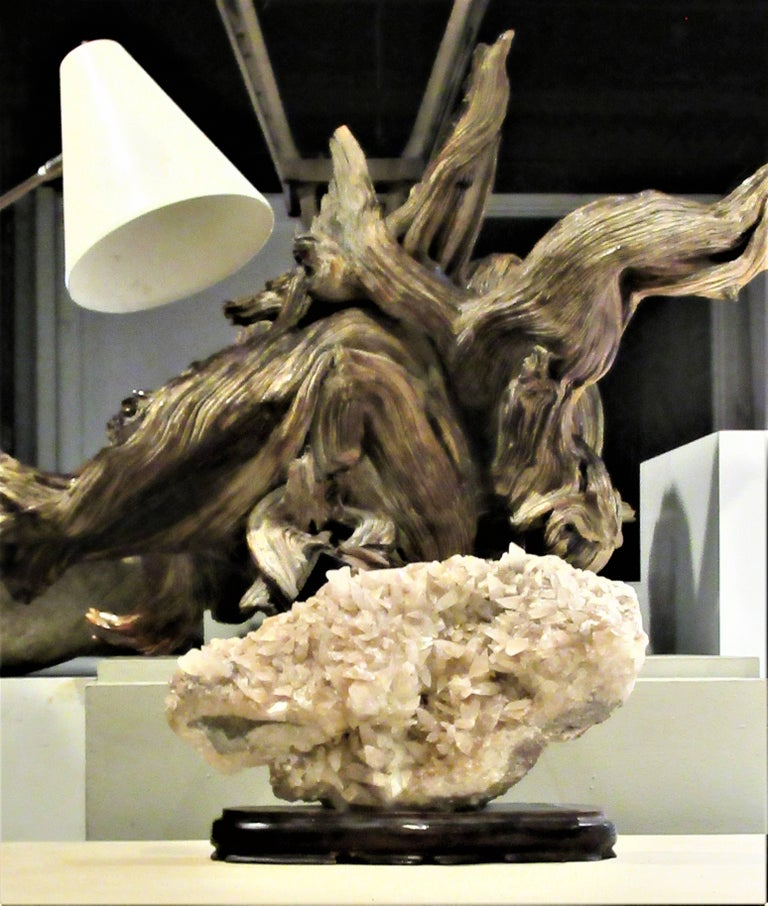 Large Old Quartz Crystal Specimen In Good Condition For Sale In Rochester, NY