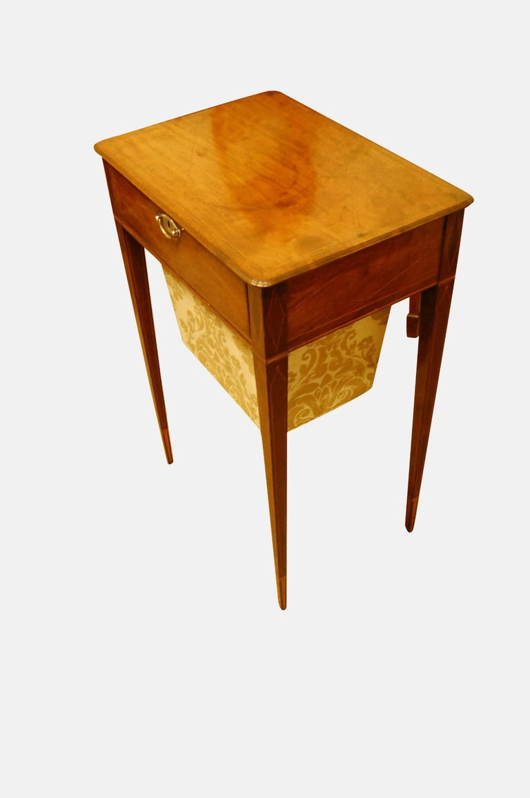 Mahogany Work Table In Excellent Condition For Sale In Salisbury, GB