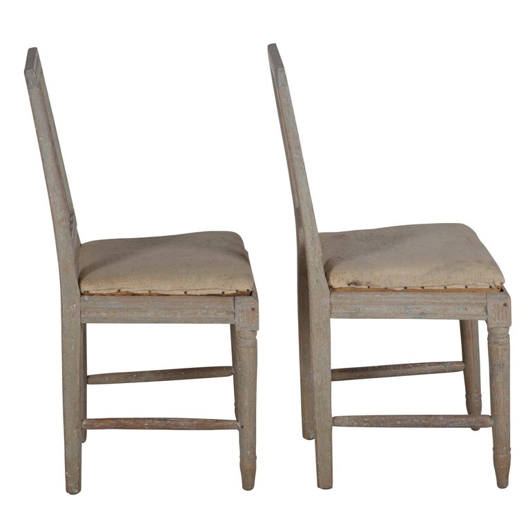 Four Painted Gustavian Dining Chairs In Good Condition For Sale In Gloucestershire, GB
