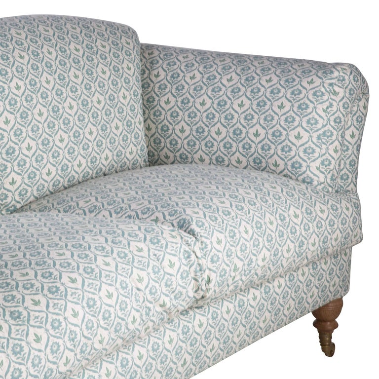Belgravia Sofa In Excellent Condition For Sale In Gloucestershire, GB