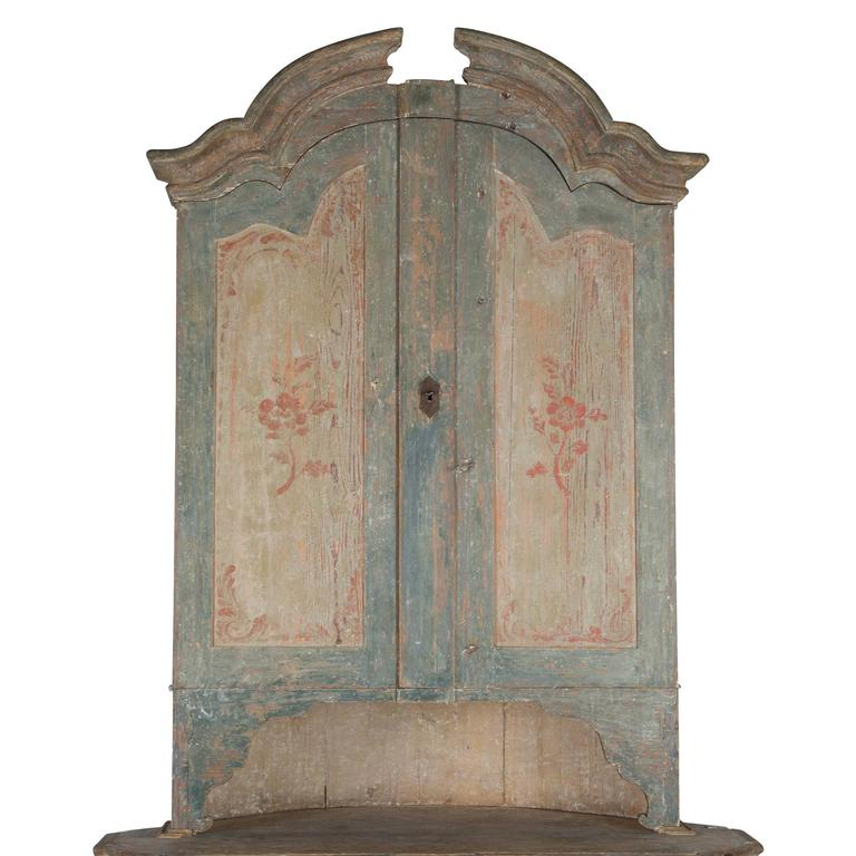 18th Century and Earlier Swedish Corner Cupboard For Sale