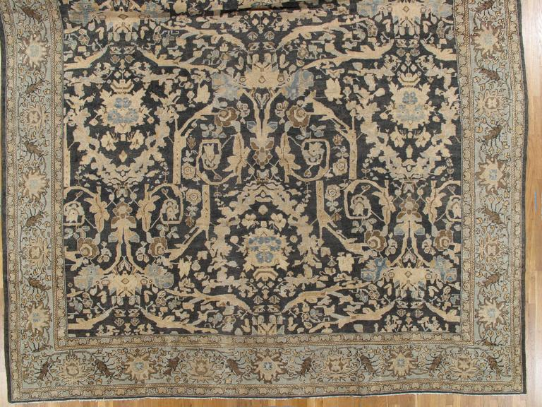 Hand-Knotted Antique Sultanabad, Handmade Wool Rug, Grey Blue, Ivory, Navy, Tan, Light Blue For Sale