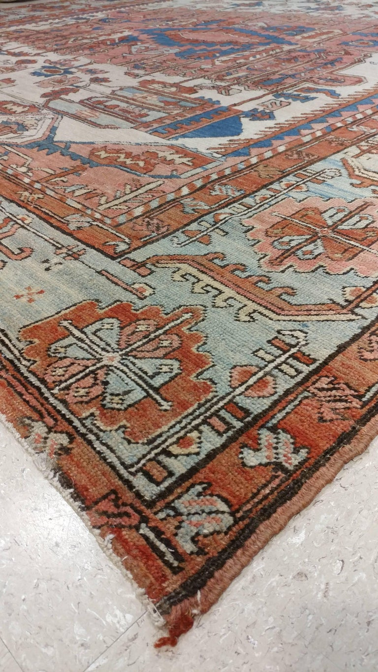 Antique Persian Serapi Carpet, Handmade Wool Oriental Rug, Gold-Ivory Light Blue For Sale 4