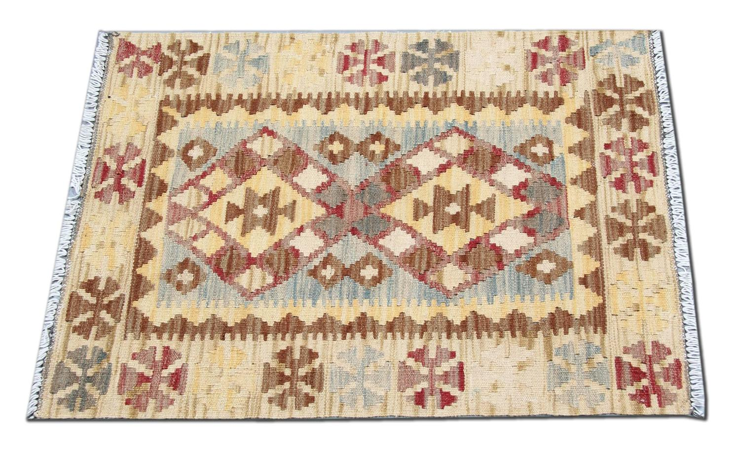 Kilim rug with geometric design at 1stdibs for Kilim designs