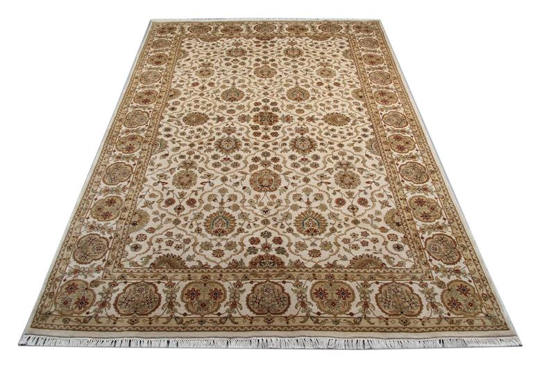 This is traditional rugs kind of our luxury rugs made of own looms by our master weavers of Afghan rugs, This cream rug is made with organic vegetable dyes all handspun wool rugs. This carpet rug is kind of patterned rugs all-over floral rugs design