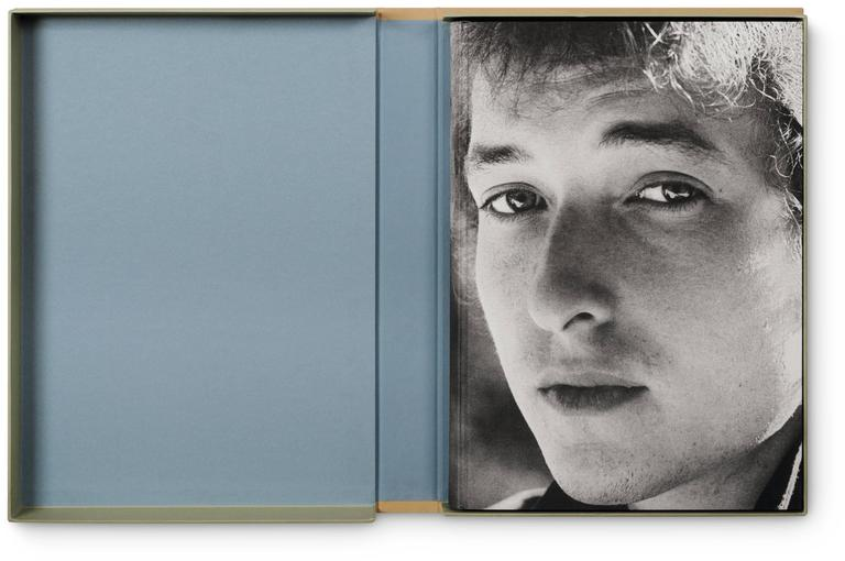 Hardcover in a clamshell box, letterpress-printed chapter openers with tipped-in photographs, two different paper stocks, and three foldouts, measures: 31.2 x 44 cm (12.3 x 17.3 in.), 288 pages.  When photographer Daniel Kramer first met Bob