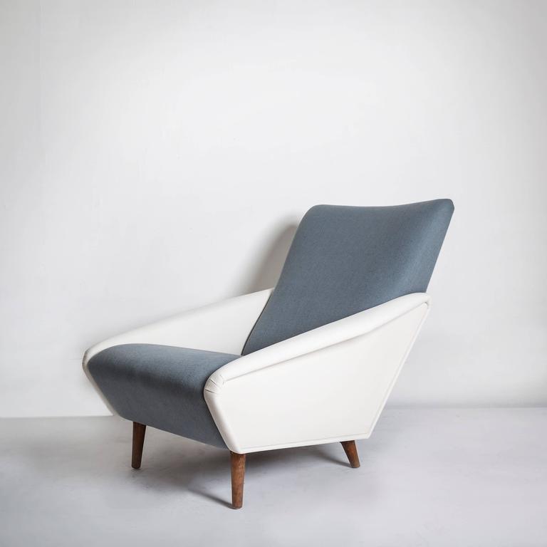 Modern Model No. 807 Distex Lounge Chair by Gio Ponti