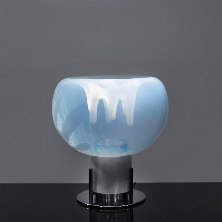 Table lamp by Toni Zuccheri, manufactured by VeArt, Murano, Italy, circa 1970.