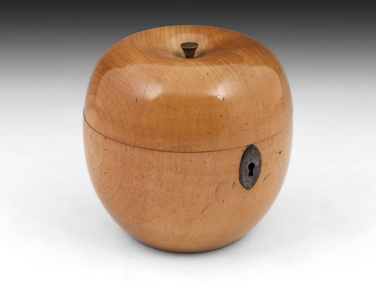 George III Antique Treen Apple Fruit Tea Caddy with Button Stalk, 19th Century For Sale