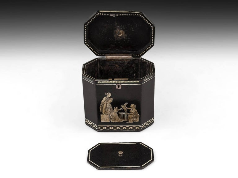 18th Century Papier Mâché Octagonal Tea Caddy by Henry Clay In Good Condition For Sale In Northampton, United Kingdom