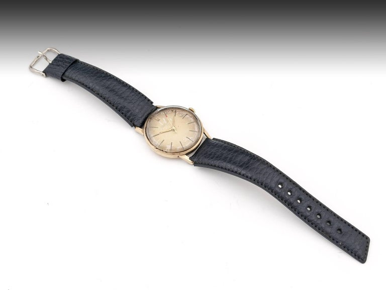 Waltham 9 Carat Gold Wristwatch with Leather Strap, 20th Century 5
