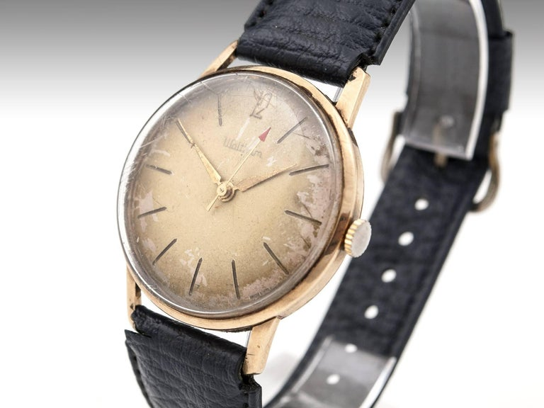 Waltham 9 Carat Gold Wristwatch with Leather Strap, 20th Century 2