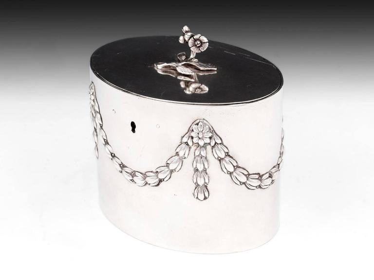 Great Britain (UK) Antique Georgian Sterling Silver Tea Caddy by William Vincent For Sale