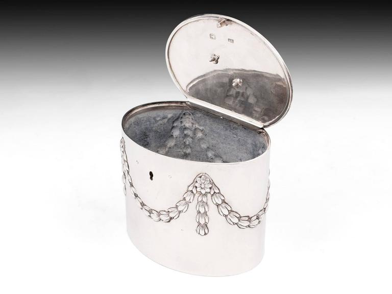 Antique Georgian Sterling Silver Tea Caddy by William Vincent For Sale 2