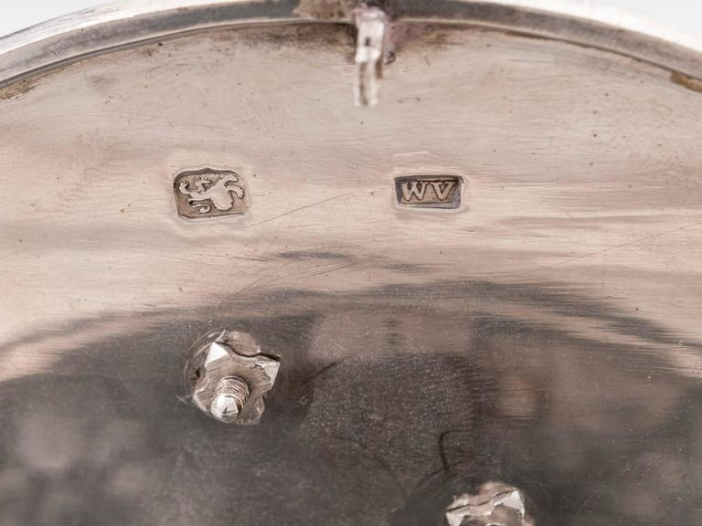 Antique Georgian Sterling Silver Tea Caddy by William Vincent For Sale 4