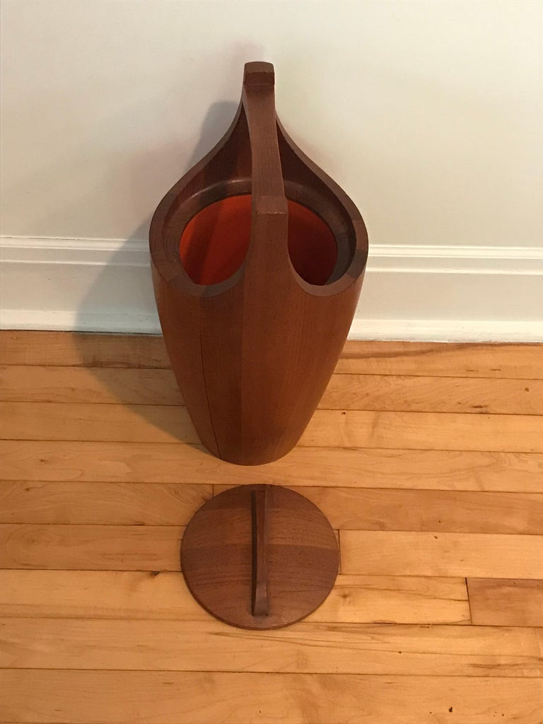 Danish Midcentury Large Teak Ice Bucket by Jens Quistgaard for Dansk, Denmark For Sale