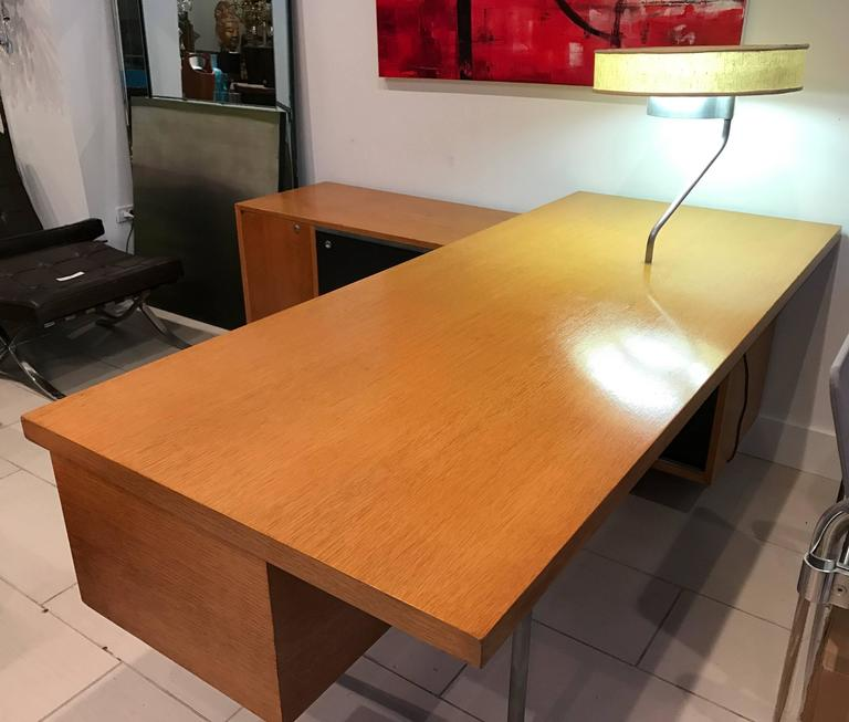 Exceptional George Nelson Executive Series Desk With Return Credenza And Attached Lamp Works