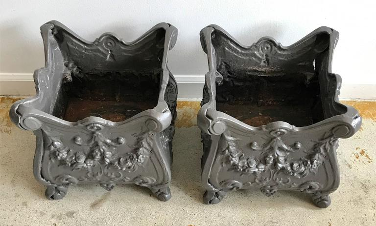 Really nice pair of square cast iron planters, beautiful lines and detail. Freshly painted, anodized bronze color.