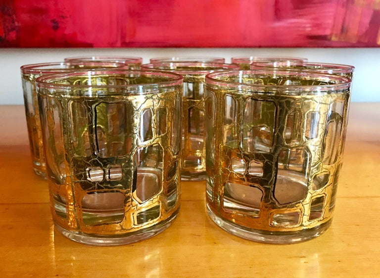 Stunning set of eight vintage barware glasses by Culver Ltd. with a 22-karat gold decorative pattern.