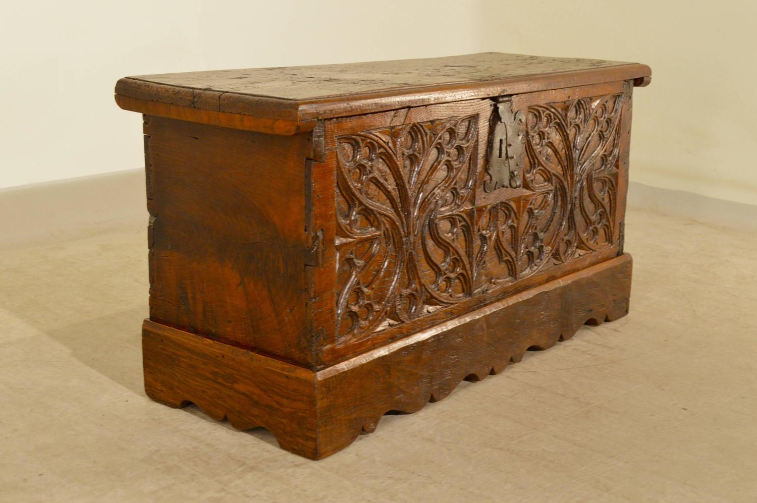 Early 17th century french walnut blanket chest for sale at - 17th century french cuisine ...