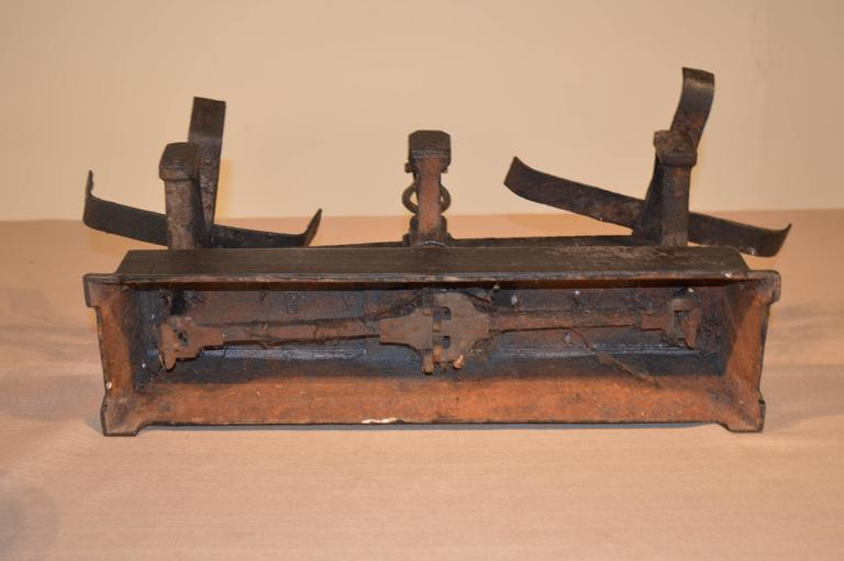 19th Century French Scale In Excellent Condition For Sale In High Point, NC