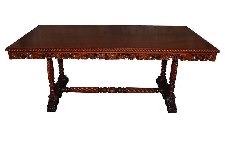 20th Century Neo Renaissance Italian Hand-Carved Table and Matching Sidetables In Good Condition For Sale In Casteren, NL