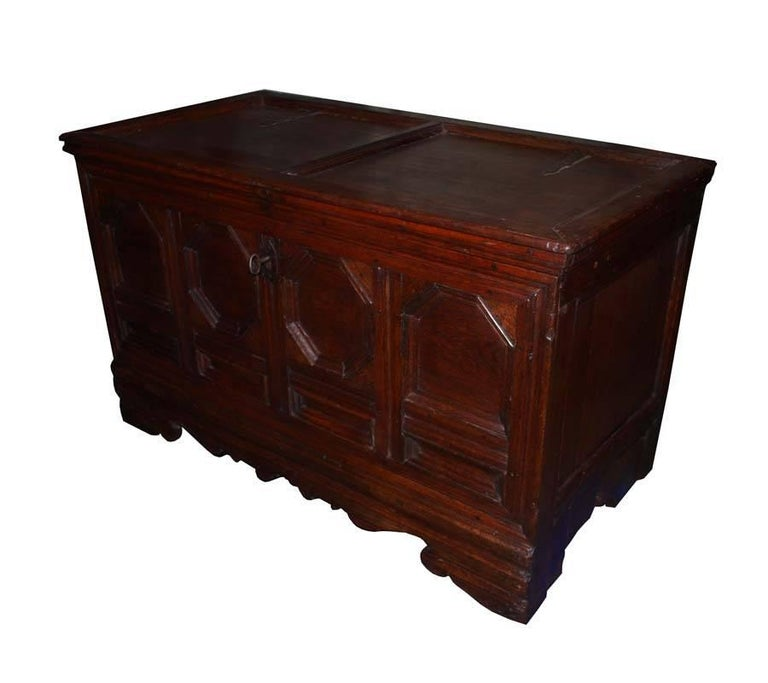 18th Century German Oakwood Chest In Good Condition For Sale In Casteren, NL