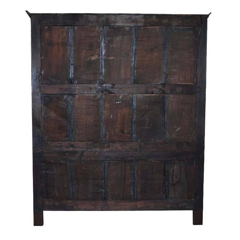 Jakobinischer Eichenschrank aus dem 17. Jahrhundert 5