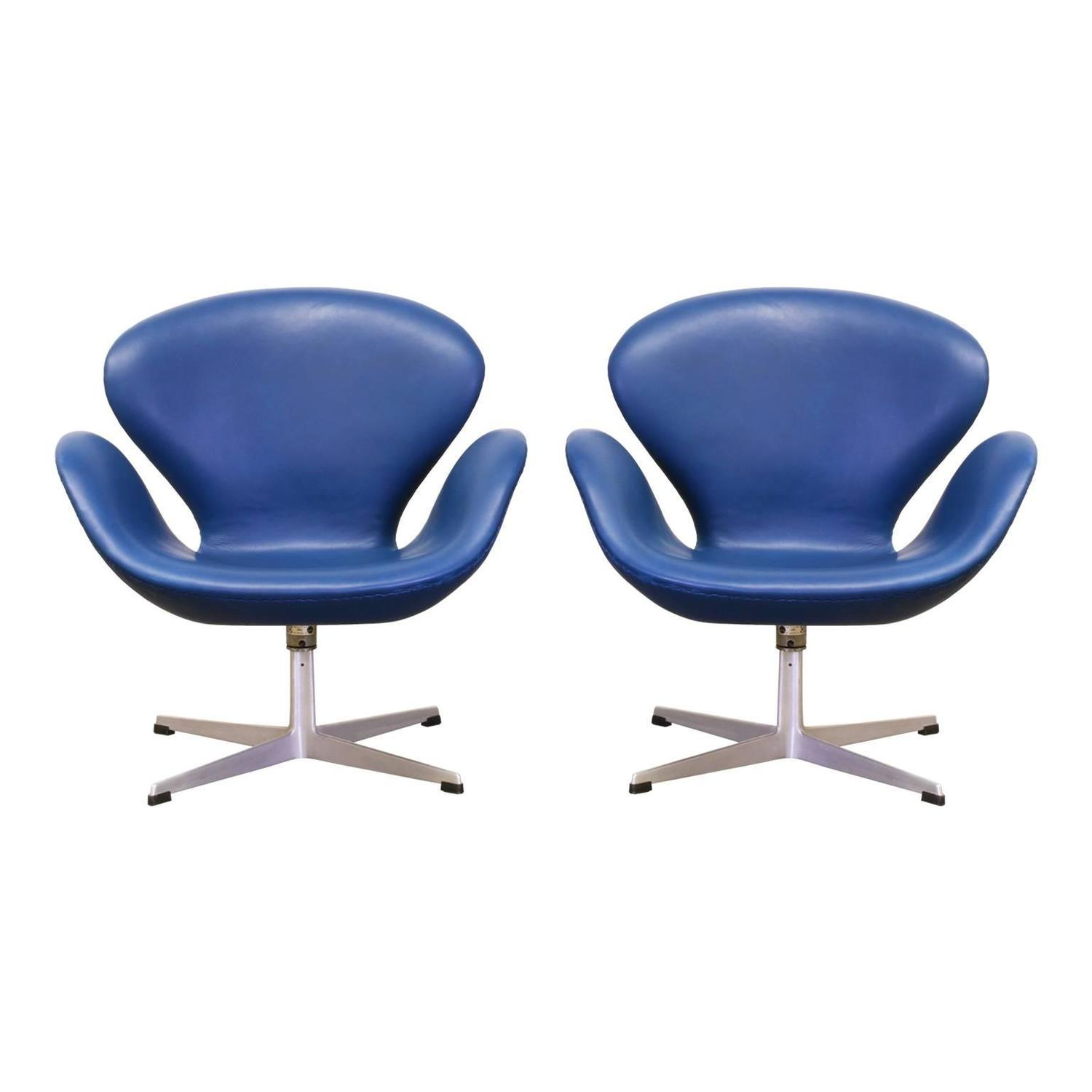 Arne jacobsen leather swan chairs for fritz hansen for for Swan chairs for sale