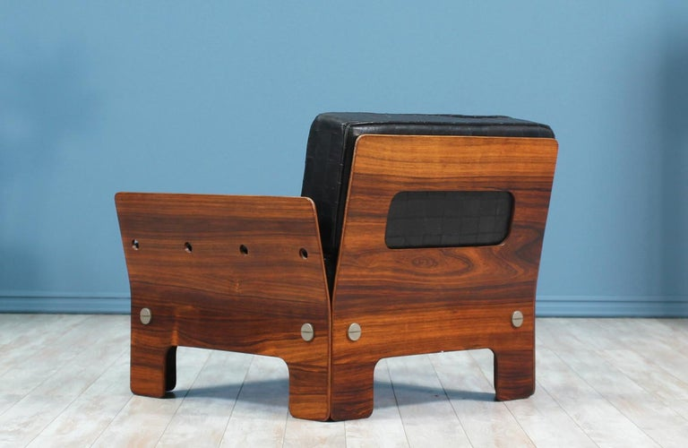 Midcentury Rosewood and Leather Lounge Chair In Excellent Condition For Sale In Los Angeles, CA