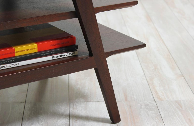 Midcentury Tier Side Table In Excellent Condition For Sale In Los Angeles, CA