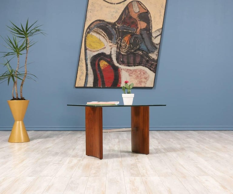 """Vladimir Kagan """"Propeller"""" Side Table for Selig In Excellent Condition In Los Angeles, CA"""