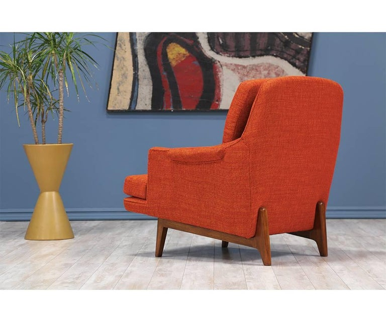 Roger Sprunger Model #484 Easy Lounge Chairs for Dunbar In Excellent Condition For Sale In Los Angeles, CA