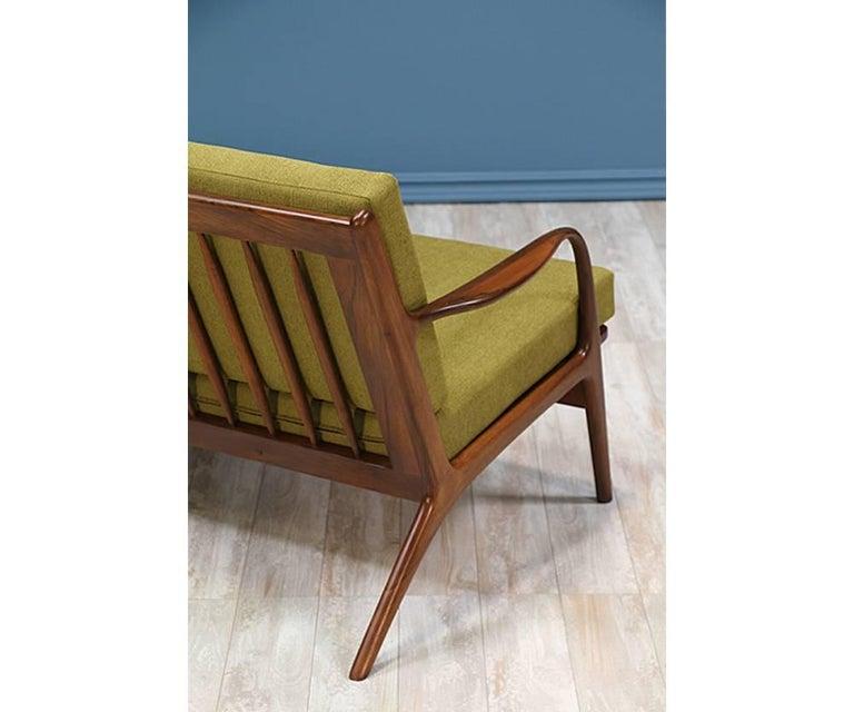 Adrian Pearsall Walnut Sofa for Craft Associates For Sale 1