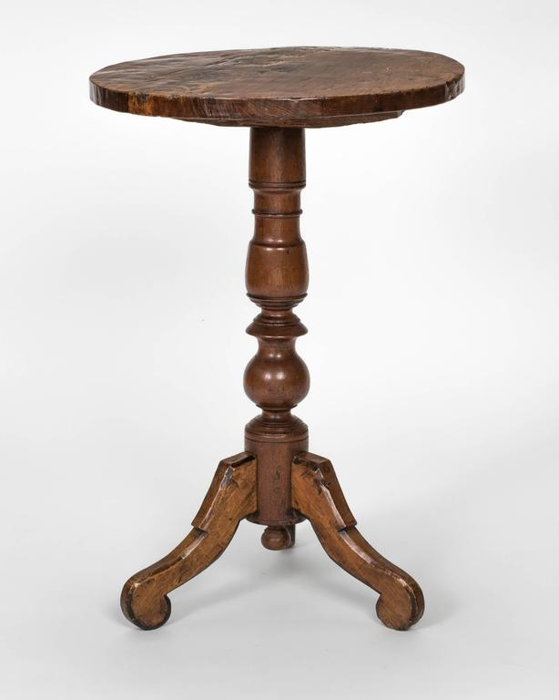 Small Round Pedestal Side Table At 1stdibs
