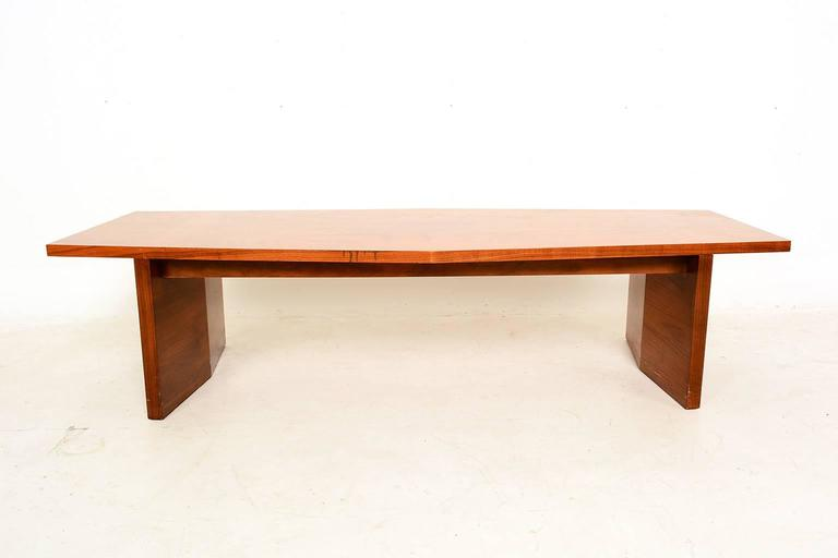 For your consideration a beautiful Mid-Century Modern coffee table by Lane. Sculptural clean modern lines.