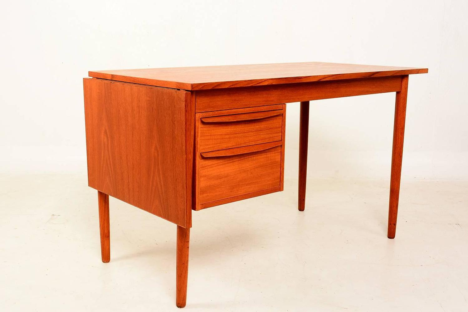 modern desks with drawers