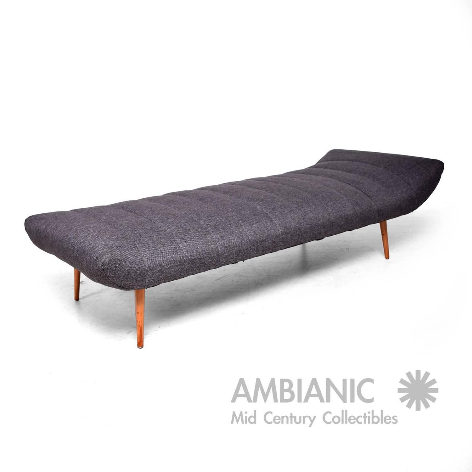Mid Century Modern Chaise Lounge Daybed Attributed to Paul McCobb For Sale at 1stdibs