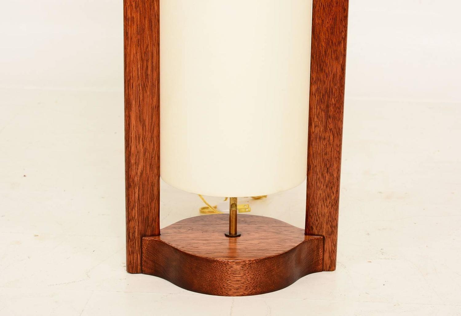 mid century modern walnut wood table lamp for sale at 1stdibs. Black Bedroom Furniture Sets. Home Design Ideas