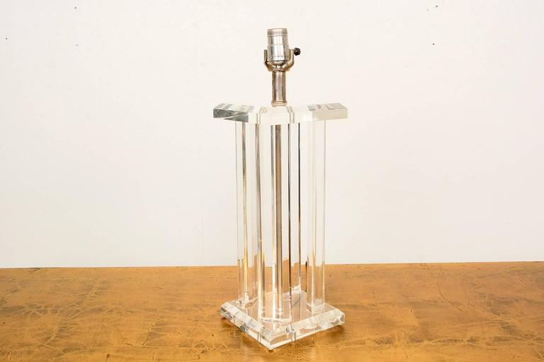 Hollywood Regency Mid Century Modern Lucite Table Lamp  For Sale