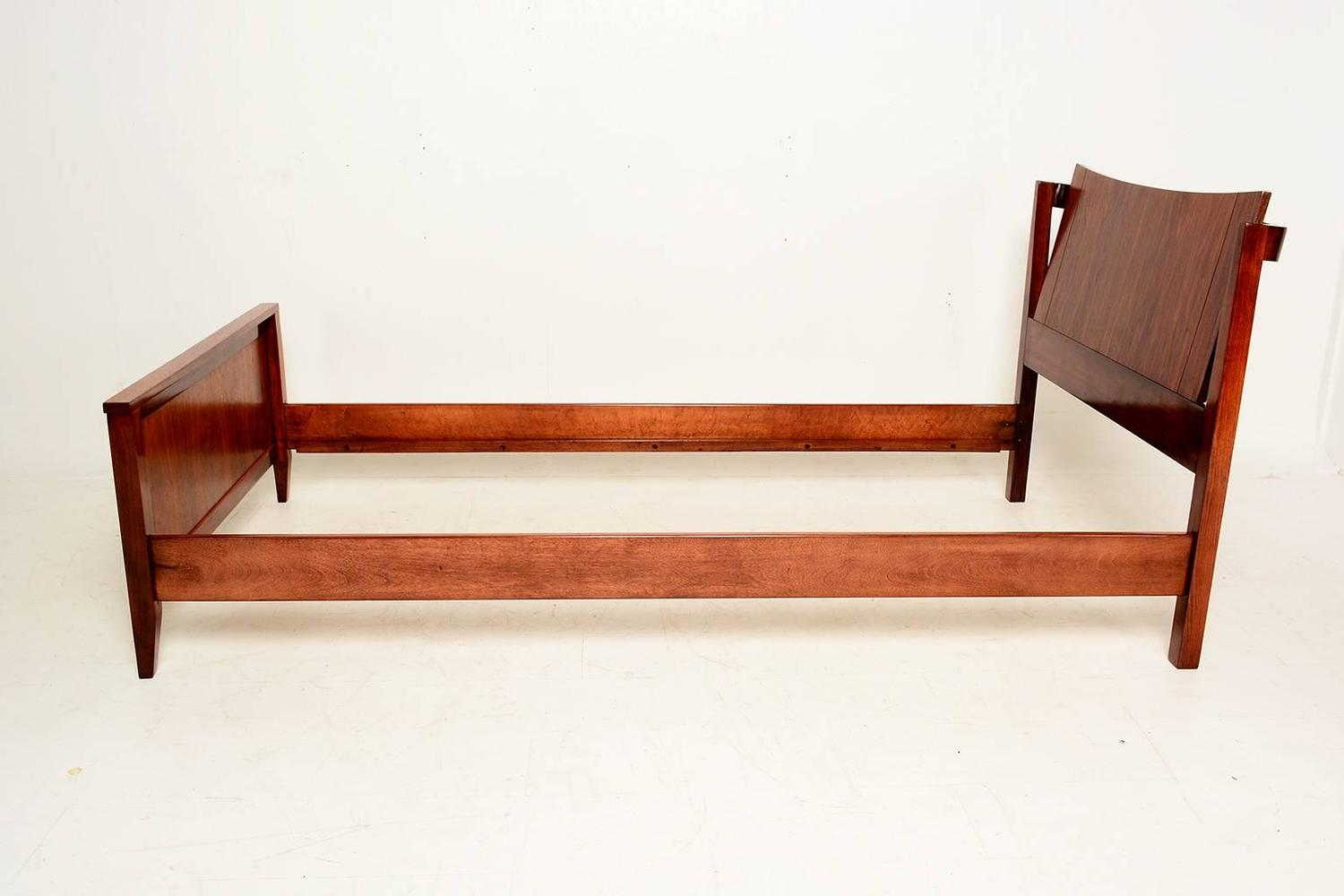 Mid-Century Modern Walnut Single Bed For Sale at 1stdibs