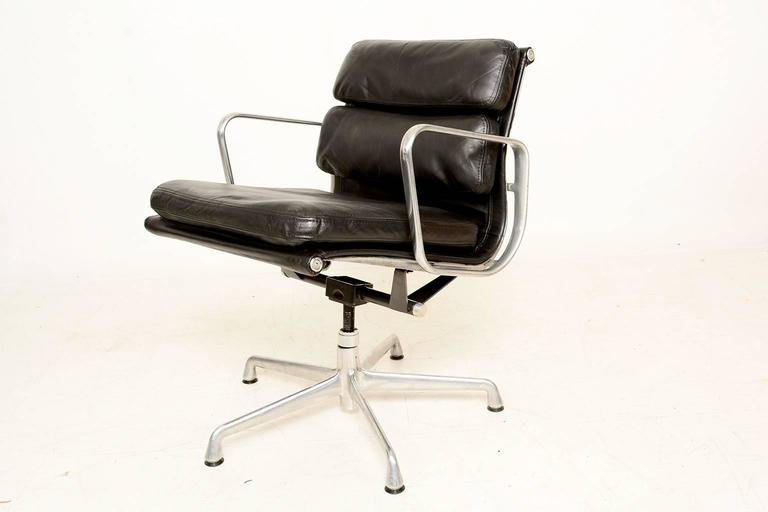 vintage herman miller eames soft pad aluminum group chair for sale at